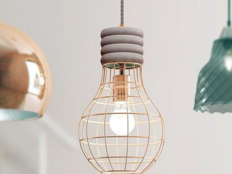 Metalowe lampy ażurowe