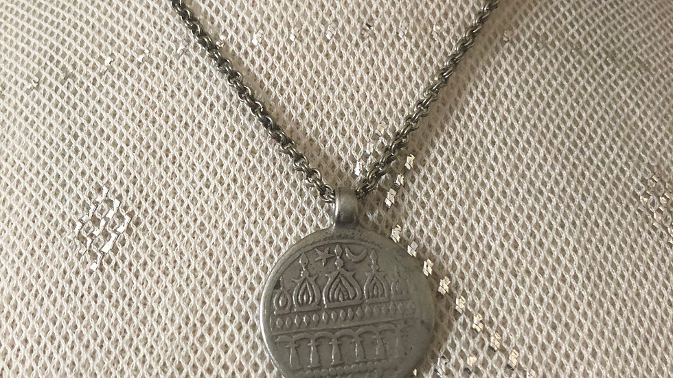 """Vintage pressed silver alloy pendant on 17"""" vintage rolo chain"""
