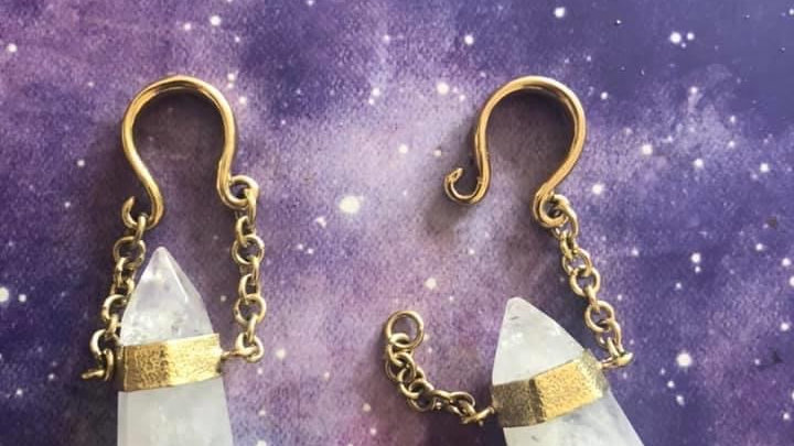 6 Guage Double Terminated Quartz Ear Hangers