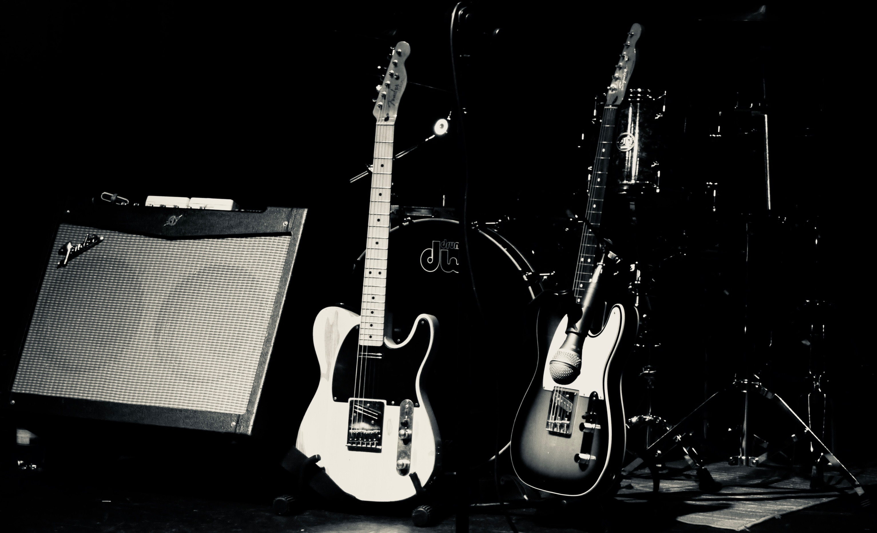 BB B&W Guitars 061018