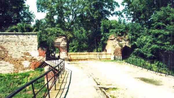 5 Festung Küstrin Kietzer_Tor_aussen_bea