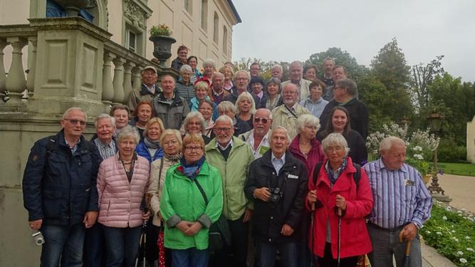 Gruppenbild am Schloss Branitz.jpg
