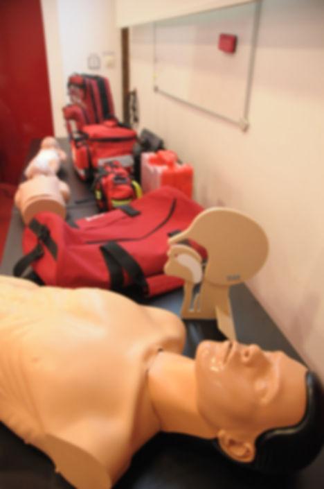 materiel de formation-secourisme-premiers secours-RCP-defibrillteur