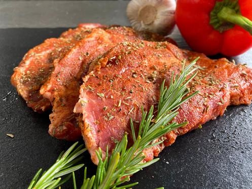Marinierte Steaks vom Schweinehals