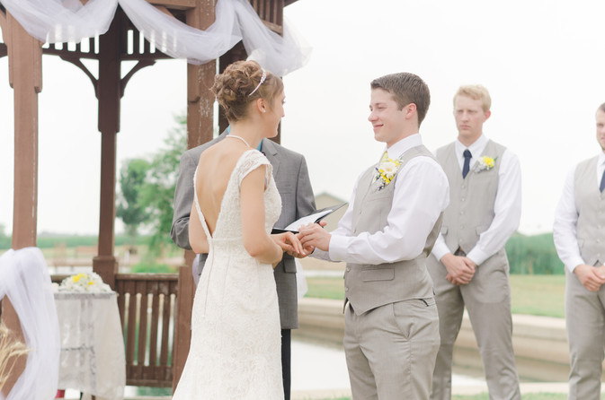 How To Pull Off The Perfect Outdoor Ceremony