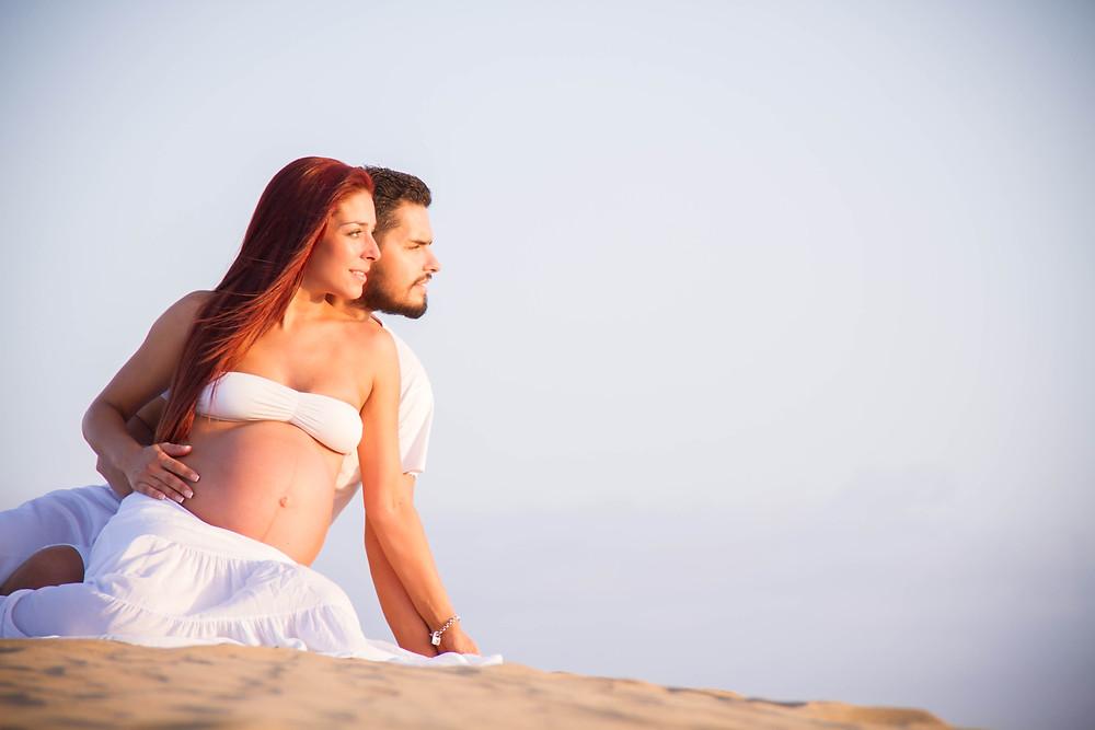 Reportaje fotográfico de embarazo Las Palmas de Gran Canaria. Sesión de embarazo.