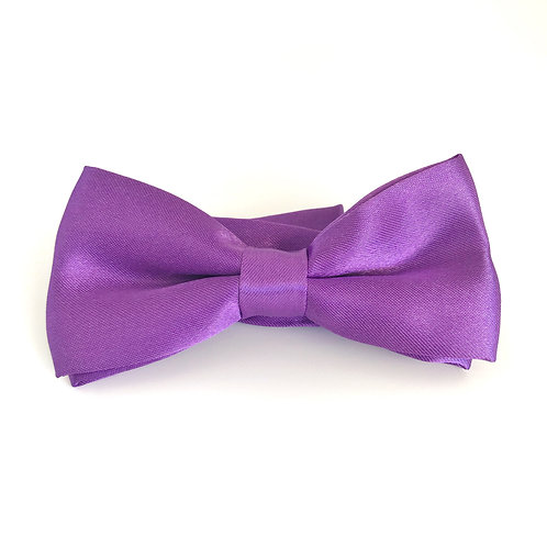 Pure colored mini bow tie