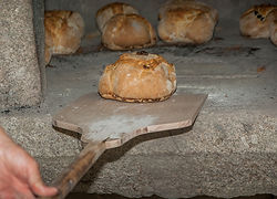 bread-2885963_1920.jpg