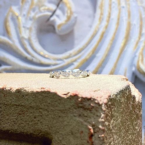 10k White Gold Diamond Wedding Band .15ct tw.