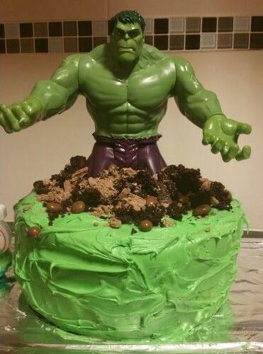 hulk taart groot superhelden feestje theamist thuis
