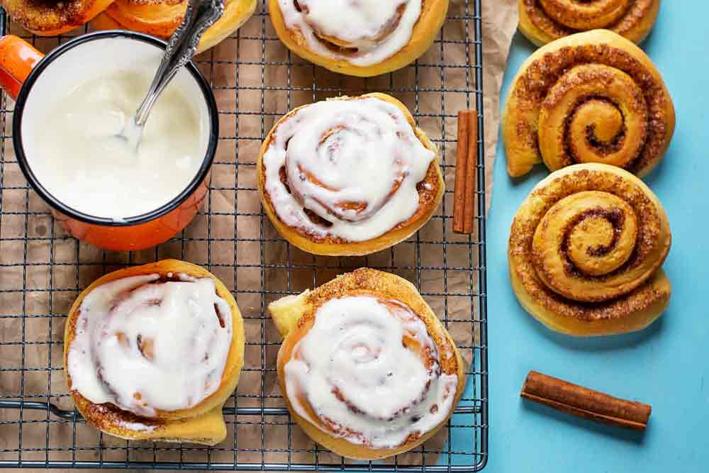 Cinnabon uses scent as a contextual clue to entice customers to come into their store.