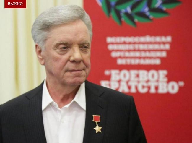 Борис Громов поздравляет с наступающим Новым годом
