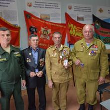 В День военного автомобилиста 29 мая в республиканском военном комиссариате наградили ветеранов
