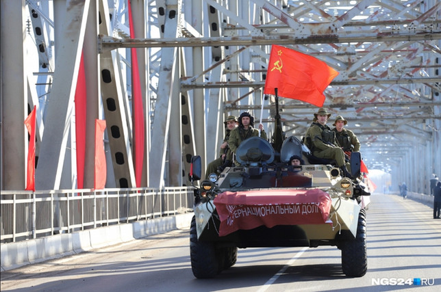 Ветераны из Хакасии приняли участие в реконструкции вывода войск из Афганистана в городе Красноярске