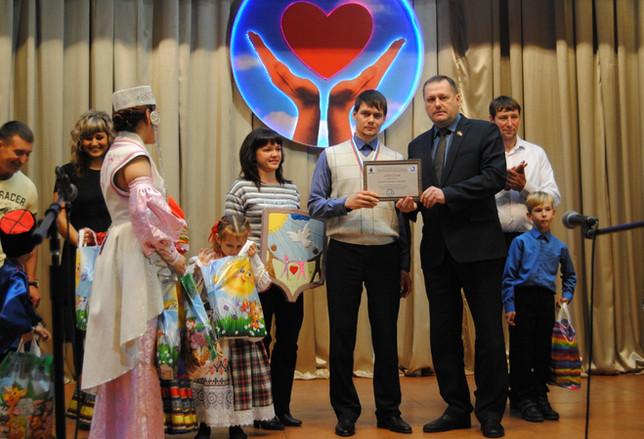 Евгений Молостов: нужно отдавать всё своё тепло детям