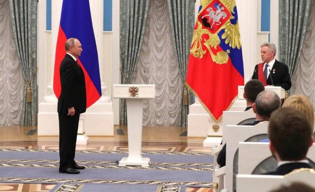 Владимир Путин: Борис Громов олицетворяет честь и достоинство российского офицерства