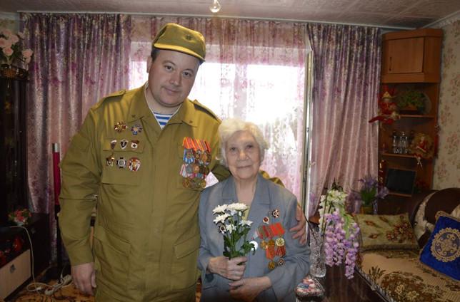 Поздравляем ветеранов Великой Отечественной войны в городе Саяногорск с праздником 9 мая