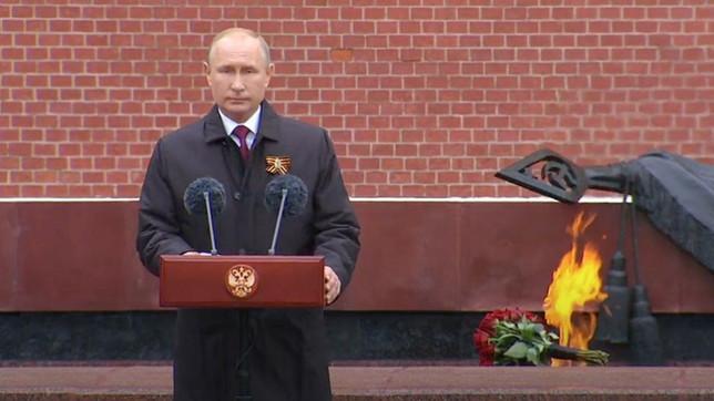 Путин обратился к россиянам в честь Дня Победы