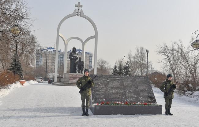 ФОТОРЕПОРТАЖ: В Республике Хакасия в г. Абакане отметили 32-ю годовщину вывода войск из Афганистана