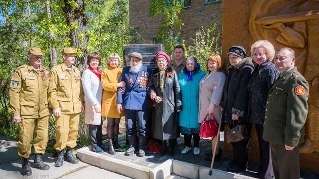 В поселке Усть-Абакан открыли Стелу погибшим при исполнении воинского долга
