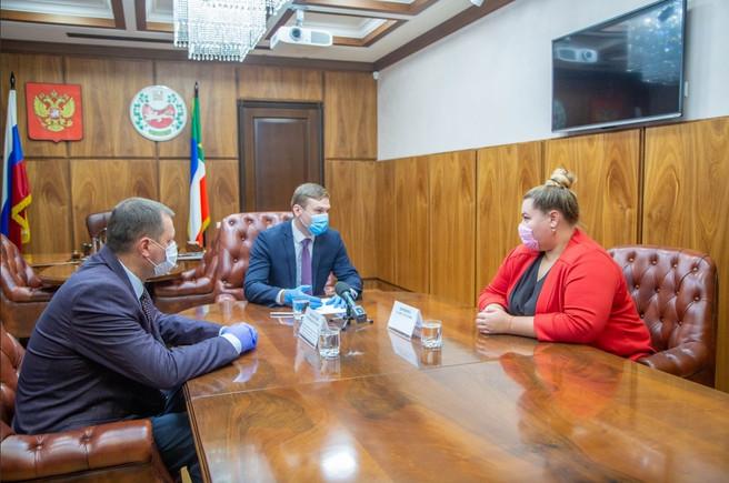 Правительство Хакасии поможет жительницам Саяногорска