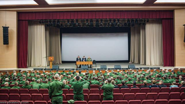 Члены Усть-Абаканского отделения  ветеранов «БОЕВОЕ БРАТСТВО»  и  военно-патриотический клуб «ИРБИС