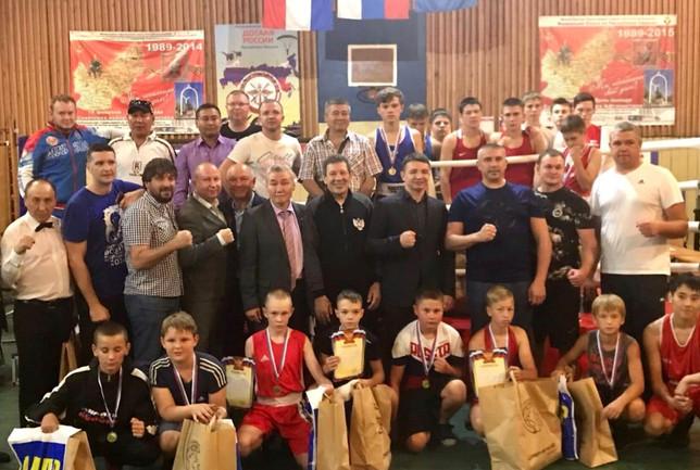 Юные боксеры Хакасии открыли спортивный сезон