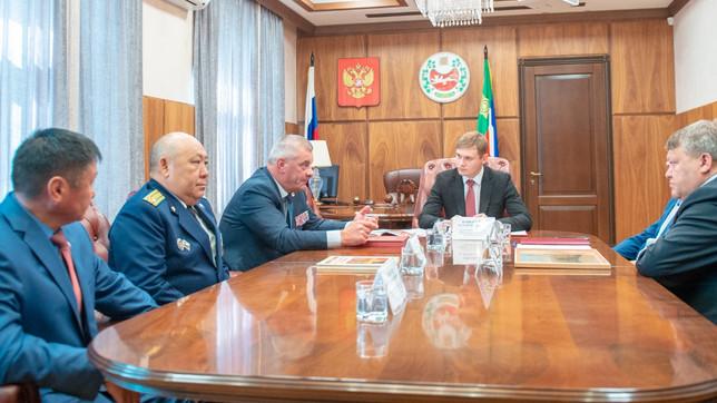 Валентин Коновалов встретился с представителями «Боевого братства»