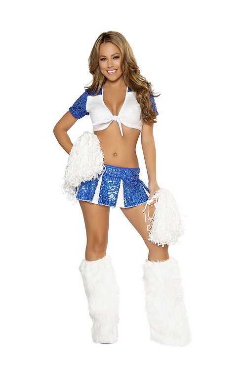 4365 - Charming Cheerleader