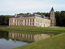 800px-Mery-sur-Oise_-_Chateau_01.jpg