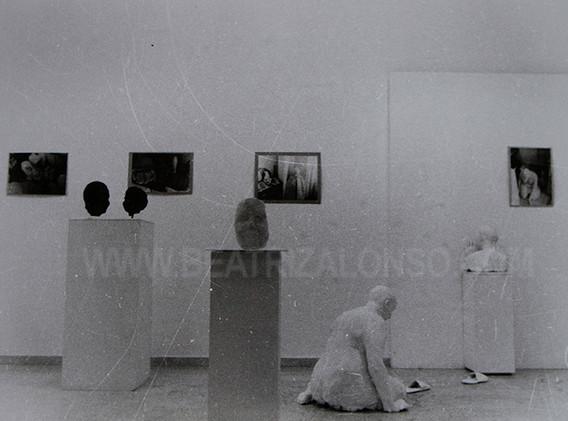 """Exposición realizada sobre """"La muerte y sus ausencias"""". Pontevedra 1999."""
