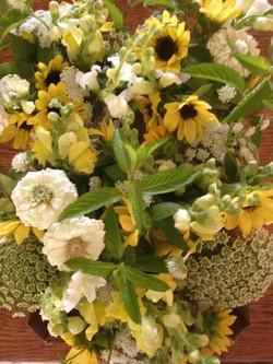 Sunflower, Zinnia, Ammi, Snapdragon, Mint