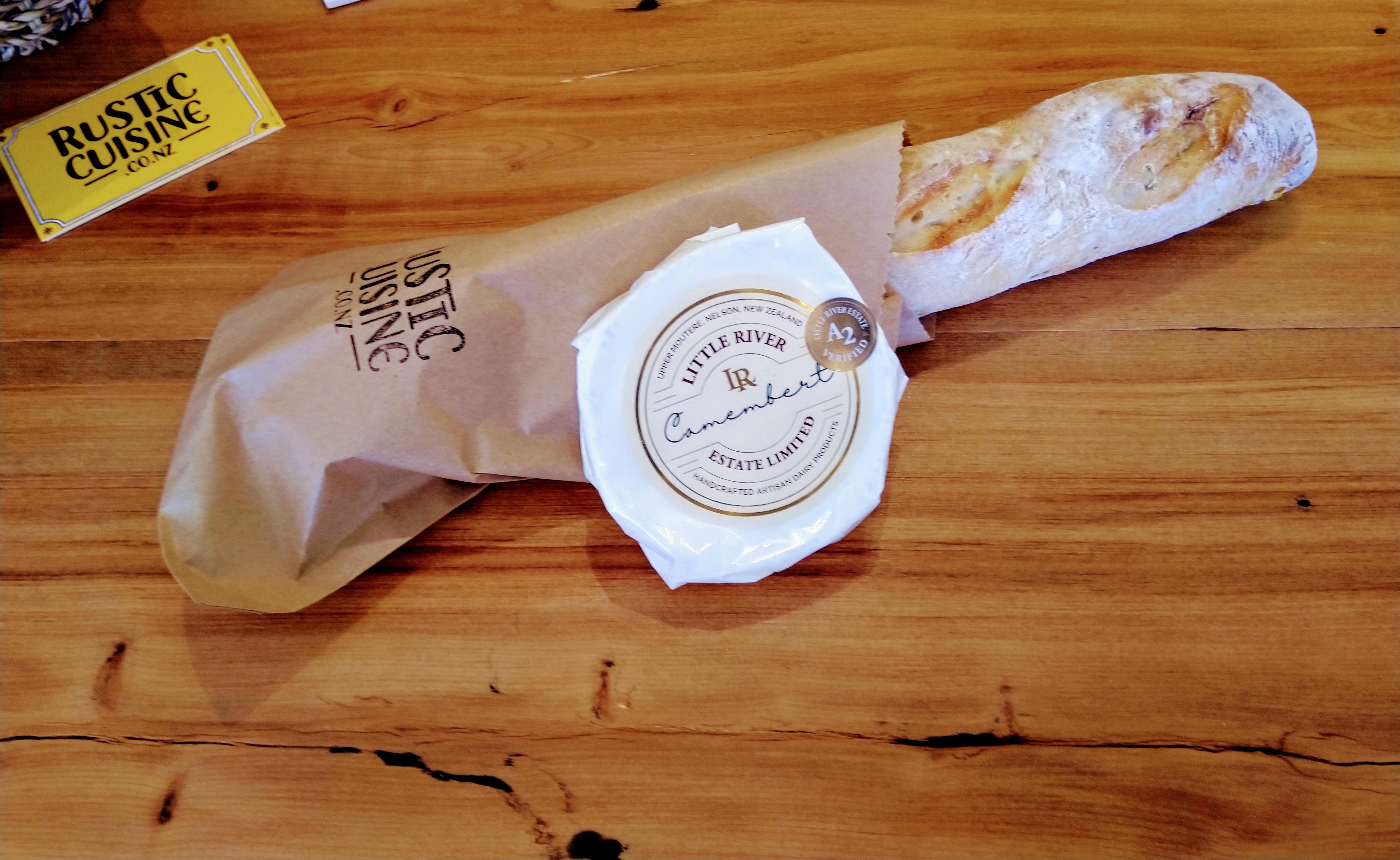Camembert & baguette