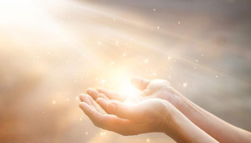 Sungate | les mains qui soignent | instant point zéro