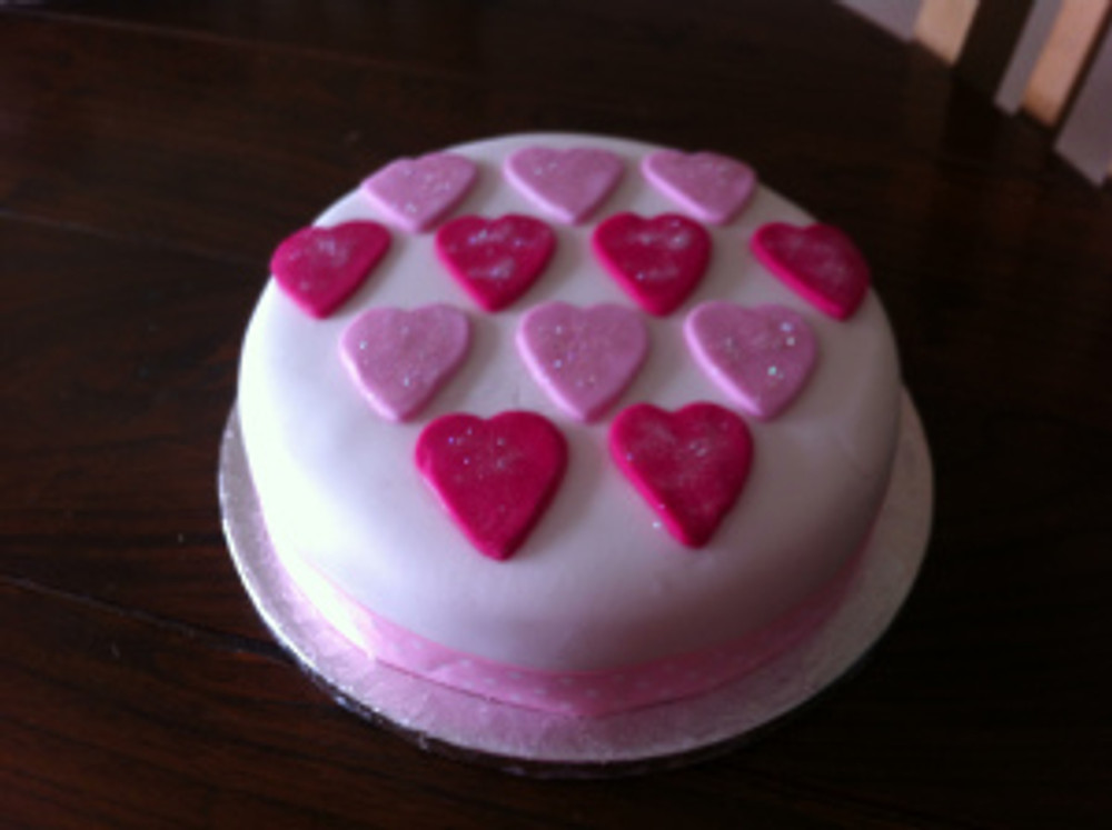My cake- orange drizzle zest cake topped with sugarpaste hearts. The only picture I managed to take thanks to my camera letting me down!