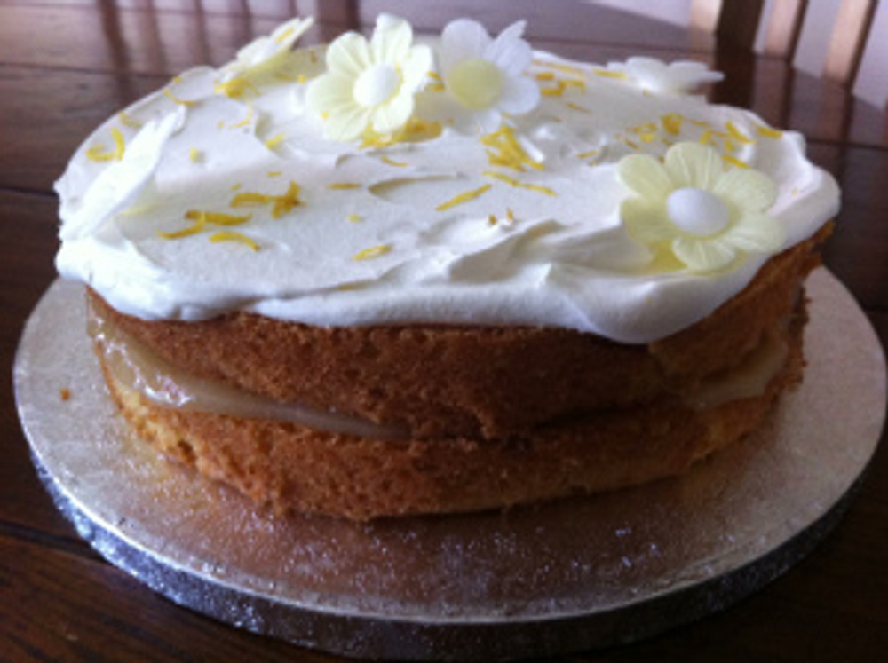 This was the Lemon Layer cake I baked to take to the York Clandestine Cake Club event last Saturday.