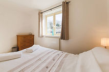 self catered holiday apartment falmouth. Master Bedroom and En-suit.