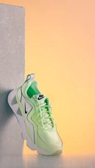 Shooting Sneakers - Simon Diebold & Gabr