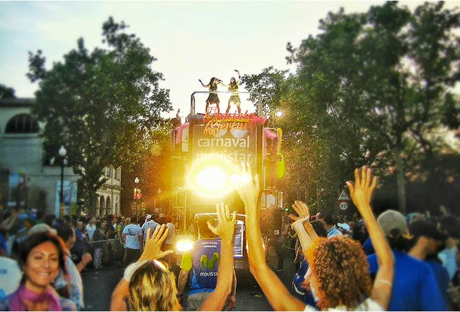 O dia em que o Carnaval brasileiro parou Barcelona!