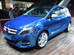 Mercedes-Benz_B-Class_Electric_Drive_(front_quarter)