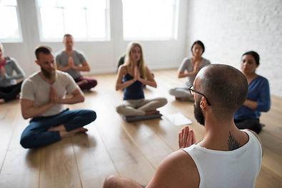 Gruppenmeditation.jpg