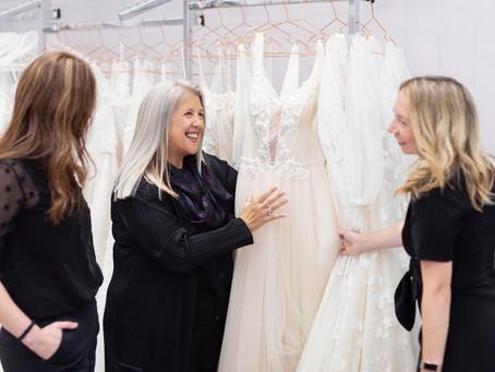 10 Essential Wedding Dress Shopping Tips