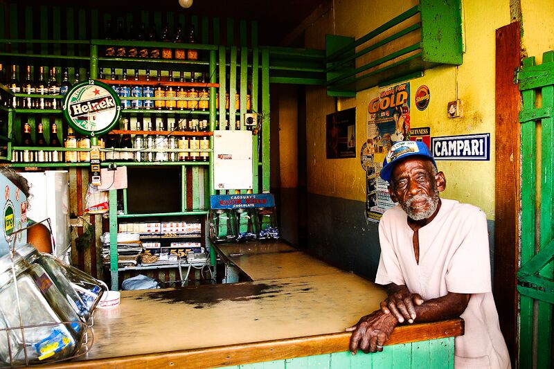 travel photography tips bar in jamaica
