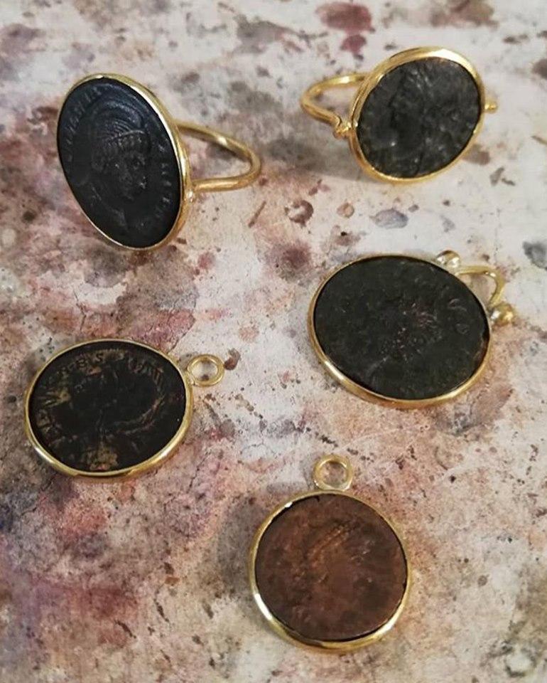 Créateur - pendentifs pièces noires