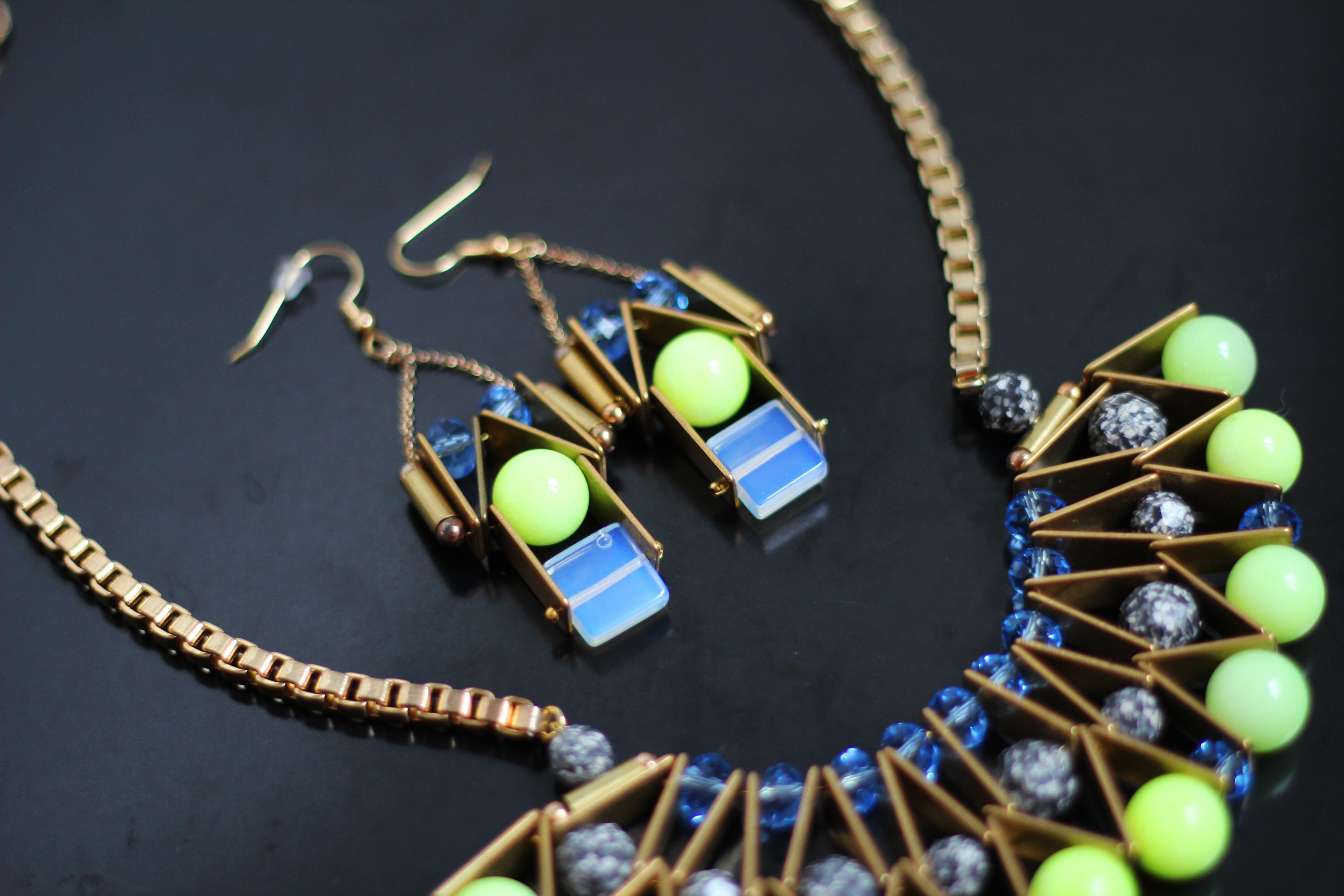 Créateur - boucles d'oreilles bleues et vertes