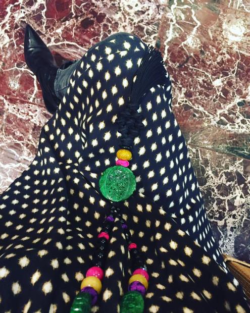 Jeans Robe imprimée  Sautoir de jolies perles Mixez le tout Et vous avez un look sympa😀