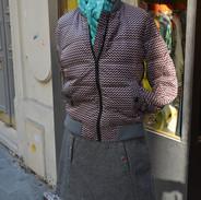 Doudoune grise & foulard bleu