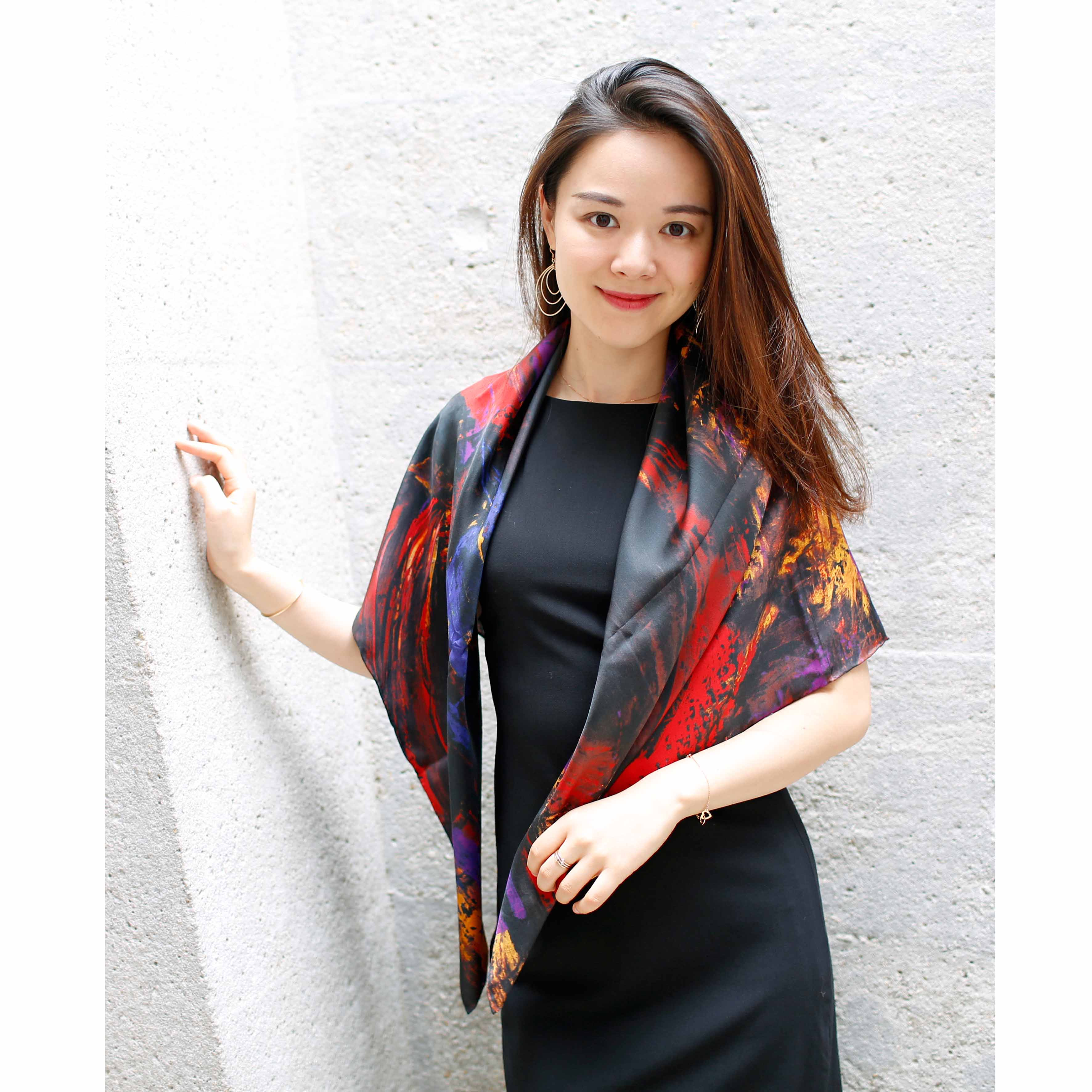 Une histoire de famille silk scarf