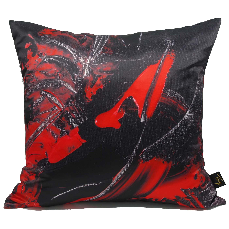 Rouge et noir cushion front no contour