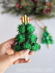 Easy-Christmas-Tree-Ornament.jpg